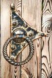 Vieille porte de brun de fer de fond Photo stock
