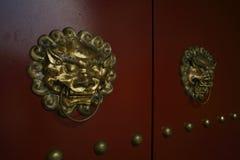 Vieille porte de Chinois d'ornement Photos libres de droits
