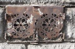 Vieille porte de sous-sol Images libres de droits