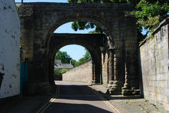 Vieille porte de ville historique à Hexham le Northumberland Photo libre de droits