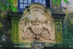 Vieille porte du fort de Galle, Sri Lanka, avec le manteau britannique des bras et du ` Dieu de devise et du ` de droit de lundi  Image libre de droits