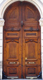 Vieille porte en bois à Valence image stock