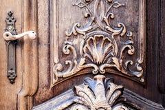 Vieille porte en bois images stock