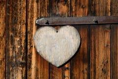 Vieille porte en bois avec un signe vide Photos stock