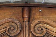 Vieille porte en bois brune de vintage avec des modèles Fond Tamplete Photographie stock libre de droits