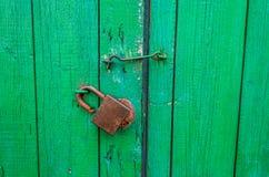Vieille porte en bois verte Photo libre de droits