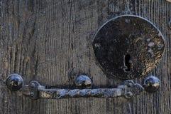 Vieille porte noire Images stock