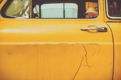 Vieille portière de voiture de vintage de fond photographie stock libre de droits