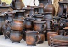 Vieille poterie sur la table Photographie stock libre de droits