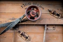 Vieille poulie dans une vieille machine agricole Batteuse, unité centrale images libres de droits
