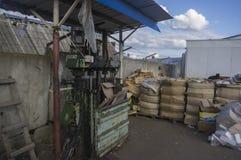 Vieille presse pour l'élimination des déchets 1 Image libre de droits