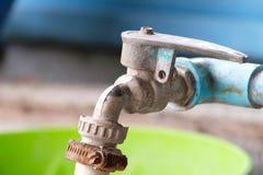 Vieille prise d'eau image stock