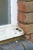 Vieille putréfaction en bois de châssis de fenêtre photos stock