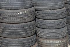 Vieille réserve de pneus de voiture Photos libres de droits