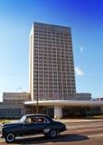 Vieille rétro voiture américaine, les cinquantième années du siècle dernier, rue le 27 janvier 2013 à vieille La Havane, le Cuba Photographie stock