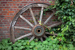 Vieille roue image libre de droits