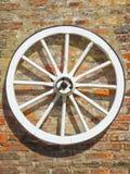 Vieille roue de chariot Photo stock