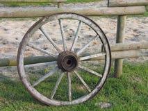 Vieille roue de chariot Photographie stock