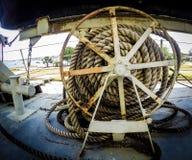 Vieille roue de corde d'ancre Images libres de droits