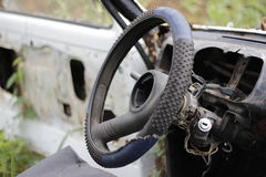 Vieille roue de voiture Image stock