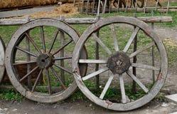 Vieille roue deux Photos stock