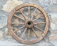 Vieille roue en bois Photographie stock libre de droits