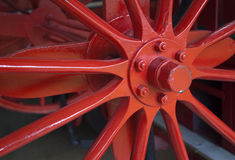 Vieille roue rouge Photographie stock
