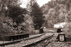 Vieille route de longeron. La Pennsylvanie. B&W Image libre de droits
