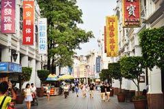 Vieille rue d'achats en Chine image libre de droits