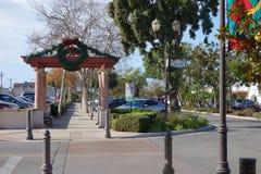 Vieille rue d'orme de ville, Camarillo, CA Photos stock