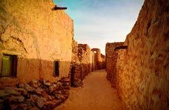 Vieille rue de ville de Chinguetti chez la Mauritanie image libre de droits
