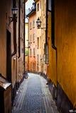 Vieille rue de ville de Stockholm photo libre de droits