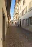 Vieille rue de ville de Zurich Images stock