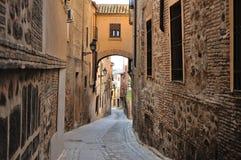 Vieille rue espagnole traditionnelle toledo Images libres de droits