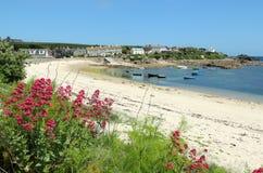 Vieille rue Mary, îles de plage de ville de Scilly. Image libre de droits