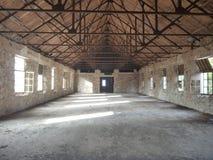 Vieille ruine d'hôtel dans le village de prodromos en Chypre Photographie stock