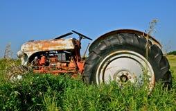 Vieille série du tracteur N de Ford photo stock