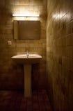 Vieille salle de bains Photos stock
