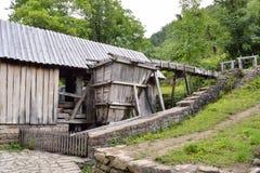 Vieille scierie utilisée pour le sawing de planche dans Etara, Bulgarie Photographie stock