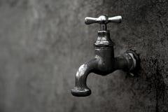 Vieille source d'eau Photos libres de droits