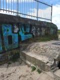 Vieille soute avec le graffiti Images libres de droits