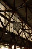 Vieille station d'horloge de Pasar Senen Photos stock
