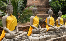 Vieille statue dans le temple Wat Yai Chai Mongkhon Photo stock
