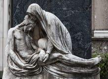 Vieille statue de cimetière Photos libres de droits