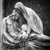 Vieille statue de cimetière Photo stock