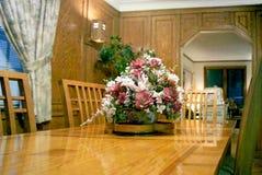 Vieille table dinante Image libre de droits