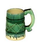 Vieille tasse de bière en céramique d'isolement sur le blanc photos stock