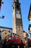 Vieille tour d'église d'Ascona où Jazz Festival a lieu photographie stock