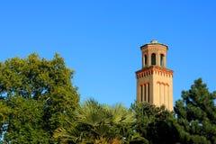 Vieille tour d'eau dans des jardins de Kew Photographie stock libre de droits