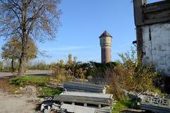 Vieille tour d'eau dans Katowice, Pologne images stock